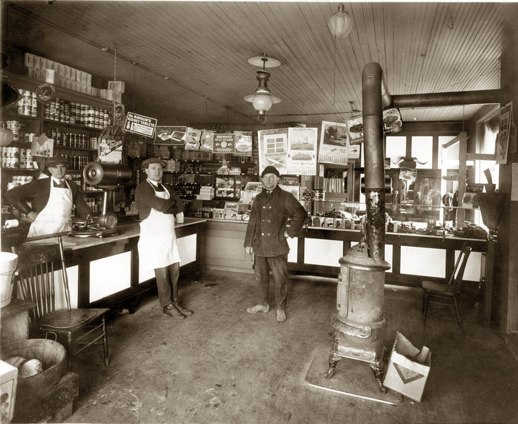 Grocery store, Detroit, 1922