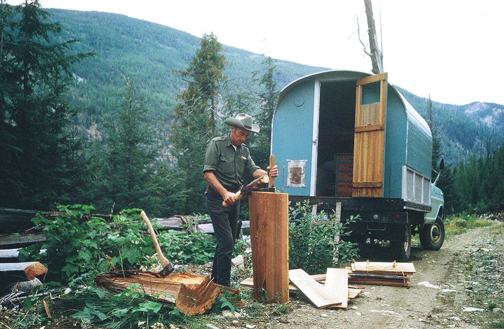 Ed Kania splitting cedar shakes